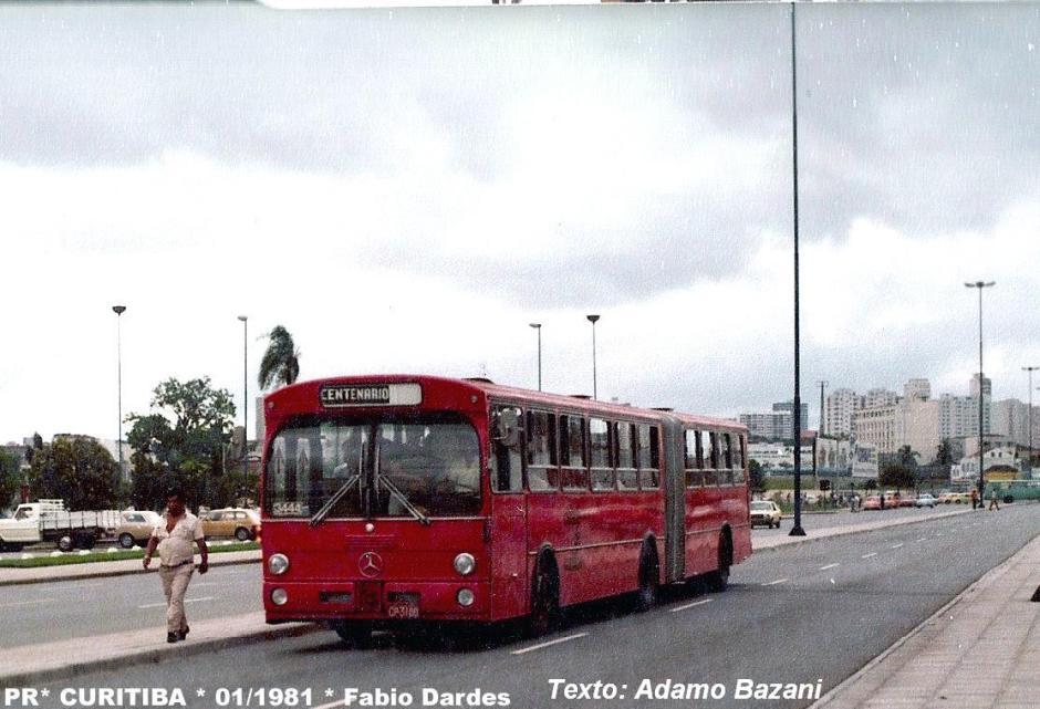 """""""ônibus articulado em Curitiba"""""""