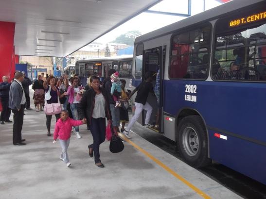 ônibus no Termonal novo o Zaíra em Mauá