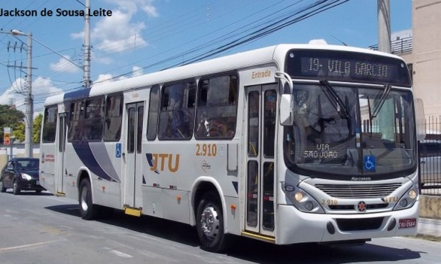 ônibus JTU