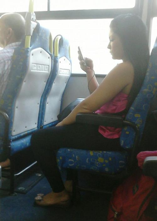 celular no ônibus