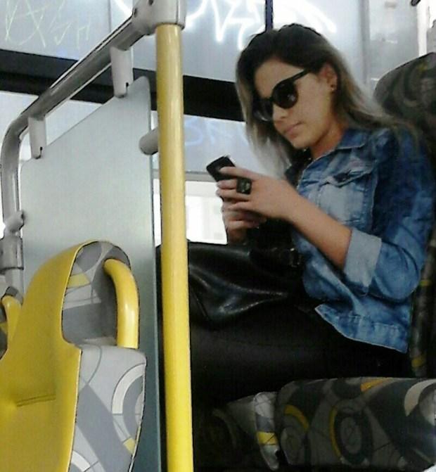 celular ônibus
