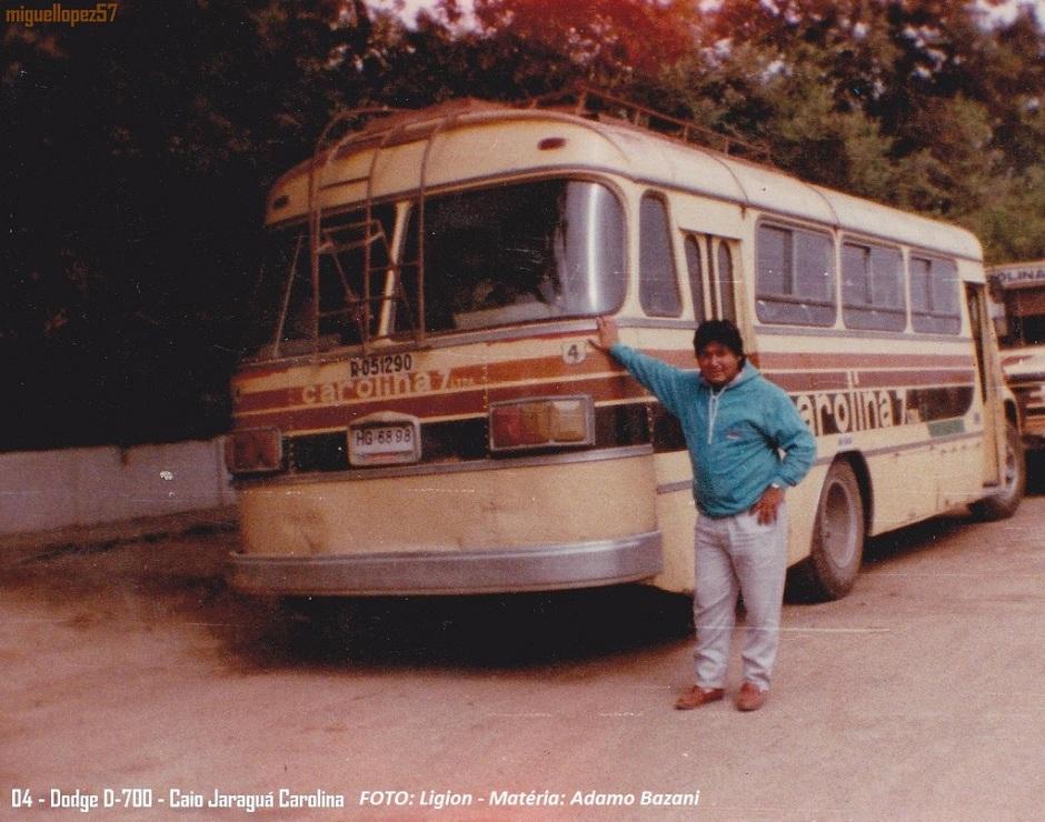 Na América Latina, modelo também fazia parte dos transportes urbanos, como no Paraguai (primeira foto) e na Bolívia (demais). Os modelos das fotos estão em chassis Dodge.