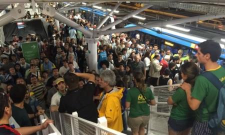 BRT lotou em alguns horários nas Olimpíadas. Foto de Leitor / Agência O Globo