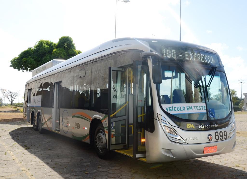 Resultado de imagem para Recife testa ônibus da Scania movido a biometano e GNV