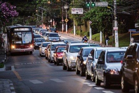 Segundo gestão anterior, transporte coletivo beneficia mais pessoas no local
