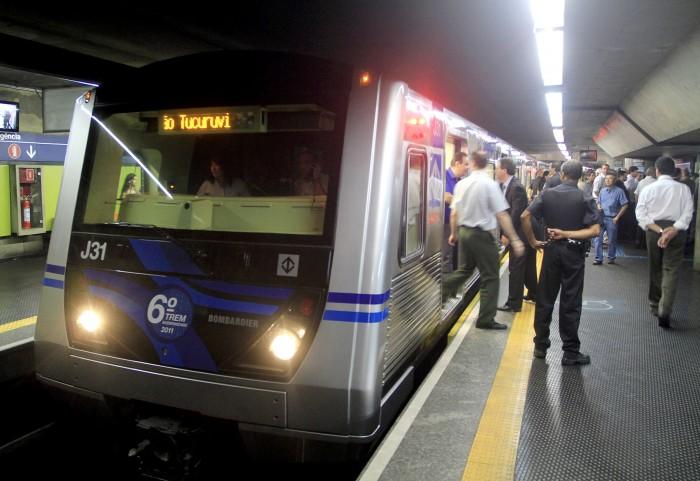 Metroviários prometem greve para 6ª contra aumento de jornada — SP